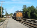 CSX 4822 leads an intermodle east